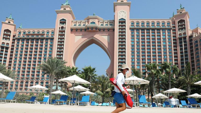 الإمارات تسمح بالكحول والمساكنة دون زواج