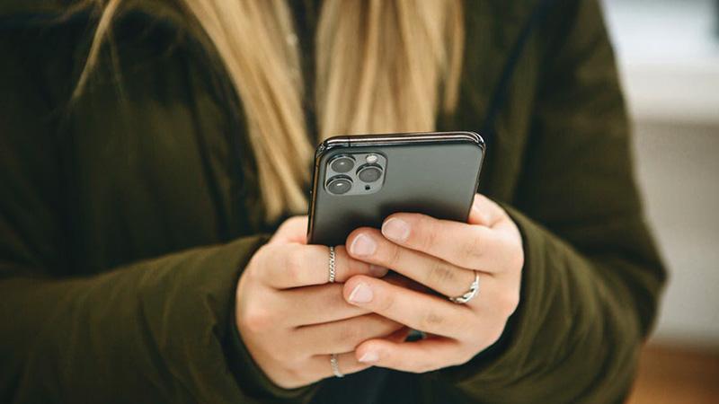 هكذا يمكنك منع هاتف آيفون من الاستماع إليك