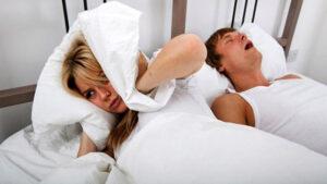 """10 زيوت تحسن جودة النوم وتنهي """"الشخير"""""""