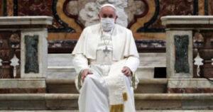 """واشنطن بوست : """"كمامة البابا"""" تثير الجدل داخل الفاتيكان"""