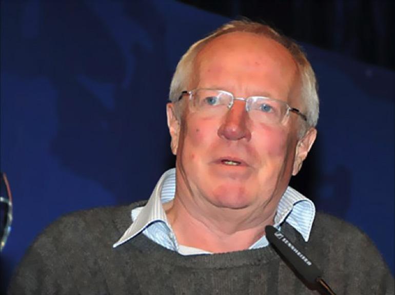 تخصص بقضايا الشرق الأوسط .. رحيل الصحفي البريطاني المخضرم روبرت فيسك