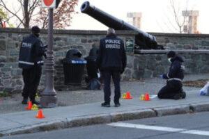 ارتدى ملابس من القرون الوسطى.. الشرطة الكندية: منفّذ حادثة الطعن لا ينتمي لأي جماعة إرهابية