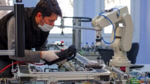 الحكومة الكندية تخصّص 1,5 مليار دولار لتدريب العمال المتضرّرين من كوفيد 19