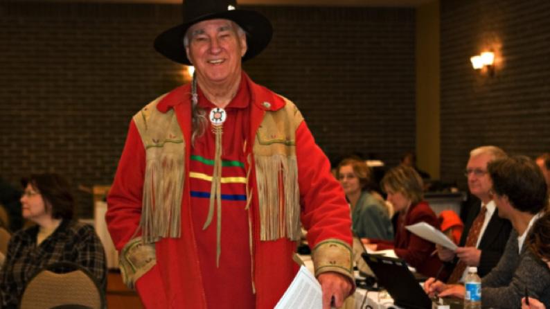إرث ماكس غرو لويس: الدفاعُ عن حقوق السكان الأصليين وثقافتِهم والعيشُ المشترك