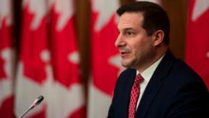كندا تسرّع هجرة طلاب هونغ كونغ وشبابها فيما تضيّق الصين الخناق حول الحريات فيها