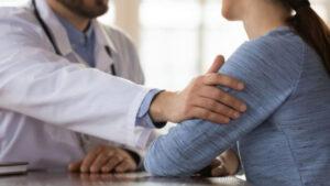 كيبيك: مَنْع الطبيب مسعود هرمة من الممارسة بسبب إقامة علاقة جنسية مع مريضته